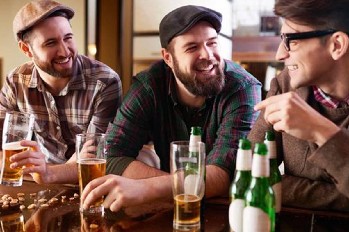 bc7ad1edffbd6 Hombres ebrios sienten atracción por otros hombres  revela estudio ...
