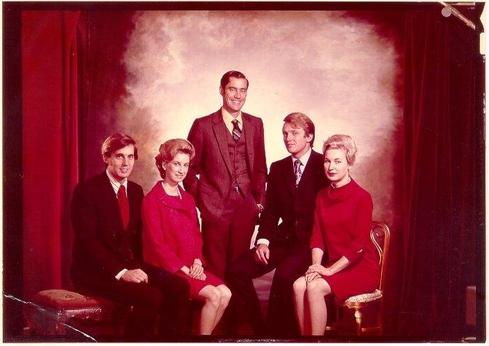 Trump familia hermanos herencia padres evasión fiscal impuestos