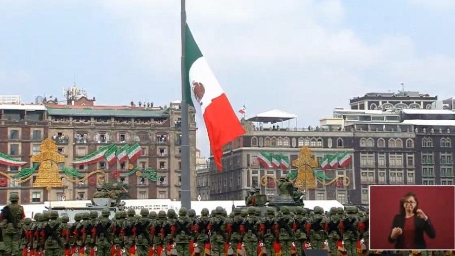 amlo-encabeza-honores-bandera-desfile-militar-2019.jpg